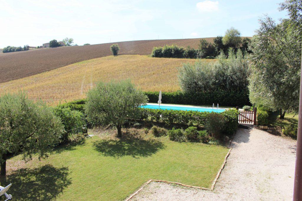 villa in italia con piscina vacanza in italia agriturismo casina foglietti corridonia marche holiday villa piscina agriturismo casina foglietti corridonia agriturismo marche