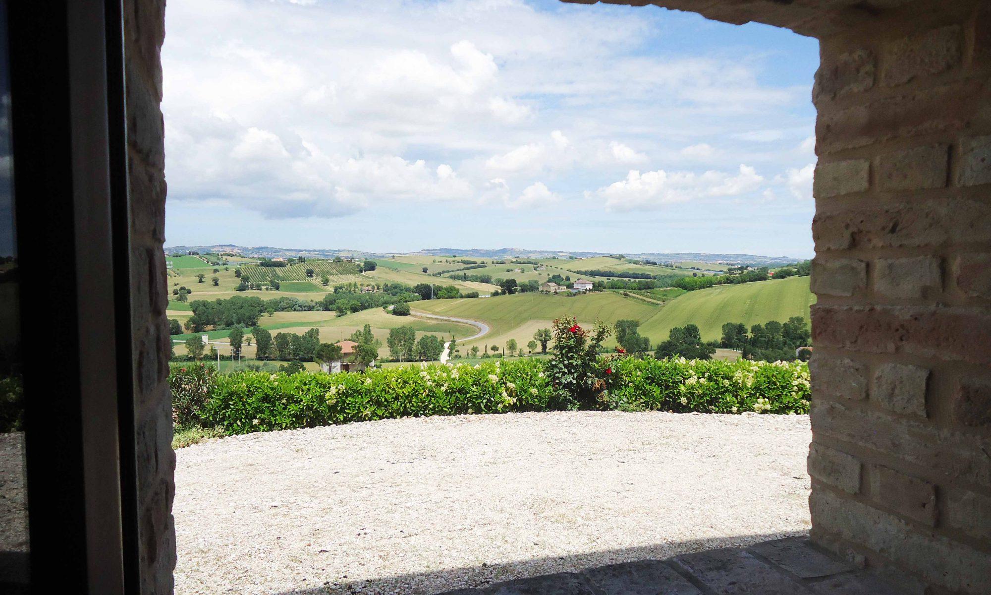 villa in italia con piscina vacanza in italia agriturismo casina foglietti corridonia marche holiday villa