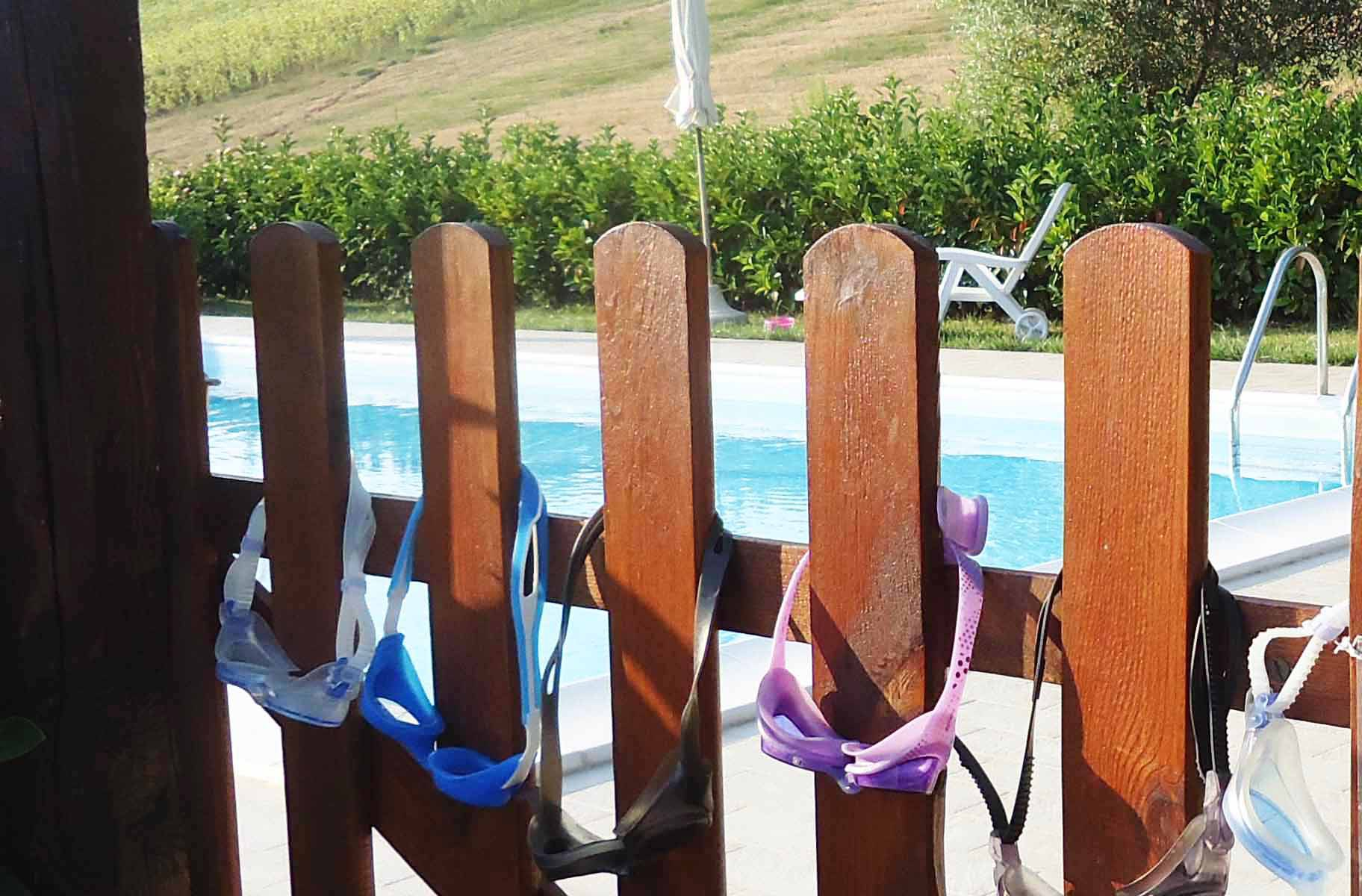 villa in italia con piscina vacanza in italia piscina villa casina foglietti marche corridonia